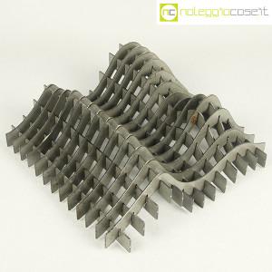 Noleggiocose, struttura free form in acciaio, Gabriella Mastrangelo (1)