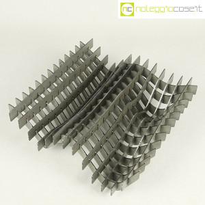 Noleggiocose, struttura free form in acciaio, Gabriella Mastrangelo (3)