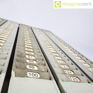 Portacartellini industriale in metalloPortacartellini industriale in metallo (6)