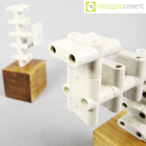 Accumulazione vecchie prese multiple in ceramica (6)