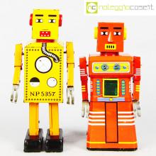 Robot Lilliput in latta rosso e giallo