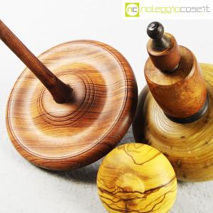 Trottole in legno con supporto (9)