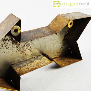 freccia-in-metallo-arrugginito-9