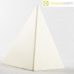 piramide-in-ceramica-bianca-3