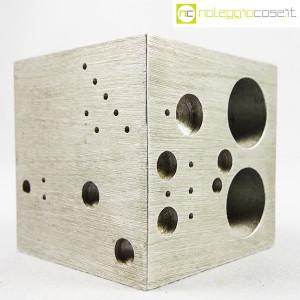 danese-milano-cubo-in-alluminio-struttura-3020-enzo-mari-3