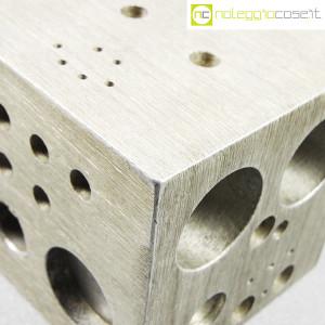 danese-milano-cubo-in-alluminio-struttura-3020-enzo-mari-5