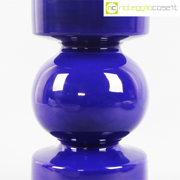 Vaso blu a cilindro sagomato for Vaso blu