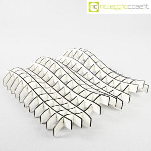 Noleggiocose, struttura free form in legno bianco, Gabriella Mastrangelo (1)