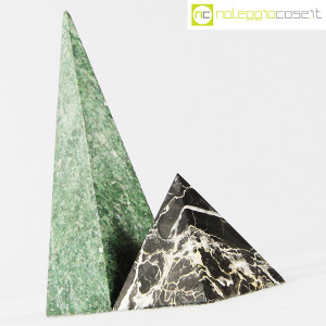 Piramidi in marmo nero e verde (3)