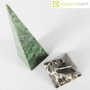 Piramidi in marmo nero e verde (4)