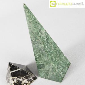 Piramidi in marmo nero e verde (6)