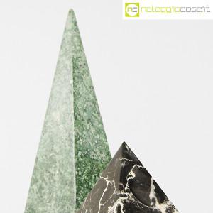 Piramidi in marmo nero e verde (7)