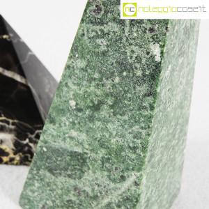 Piramidi in marmo nero e verde (8)