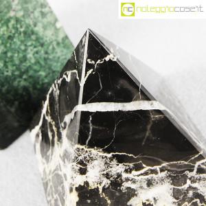 Piramidi in marmo nero e verde (9)