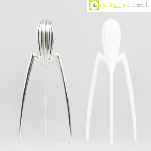 Alessi, spremiagrumi Juicy Salif cromo e bianco, Philippe Starck (2)