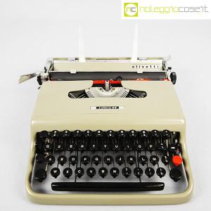 Olivetti, macchina da scrivere Lettera 22 grigio sabbia, Marcello Nizzoli (1)