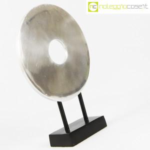 Scultura disco in metallo con base (3)