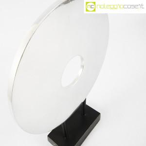 Scultura disco in metallo con base (6)