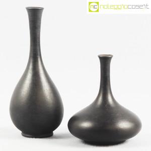 Vasi neri in ceramica (1)