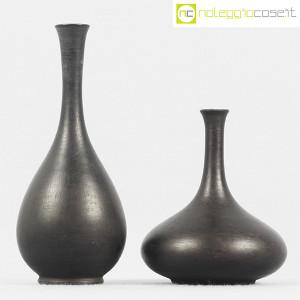 Vasi neri in ceramica (2)