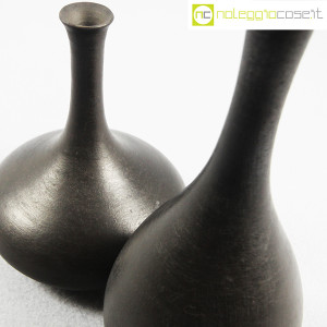 Vasi neri in ceramica (6)