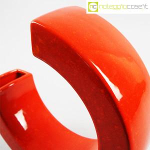 Vaso rosso a forma di C (7)