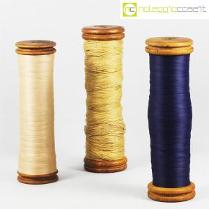 Rocchetti antichi con filo (1)
