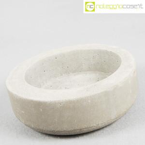 Ten Years, vaso in cemento mod. grande, Stefano Boccotti (3)