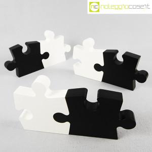 Puzzle enorme in legno bianco e nero (1)