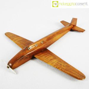 Modellino di aereo in legno con base (3)