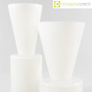 Ambrogio Pozzi Design, coppia di vasi in vetro incamiciato bianco, Ambrogio Pozzi (6)