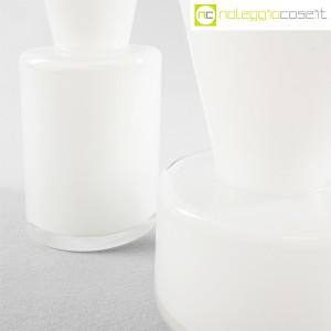 Ambrogio Pozzi Design, coppia di vasi in vetro incamiciato bianco, Ambrogio Pozzi (8)