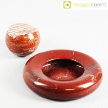 Up&Up posacenere e sfera in marmo rosso