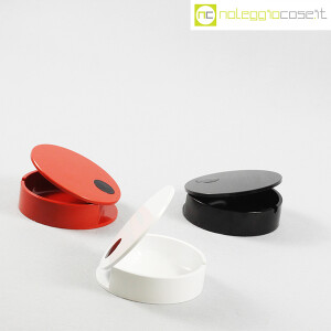 Cini & Nils, posacenere apribile nero, bianco e rosso, Studio OPI (3)