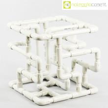 Struttura con tubi e raccordi in plastica