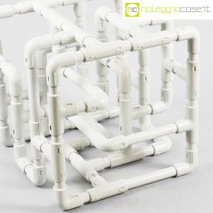 Struttura con tubi e raccordi in plastica (5)
