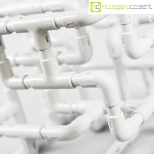 Struttura con tubi e raccordi in plastica (8)