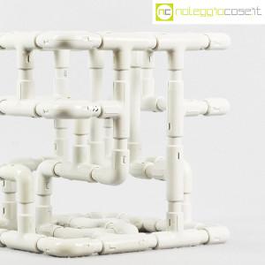 Struttura con tubi e raccordi in plastica (9)