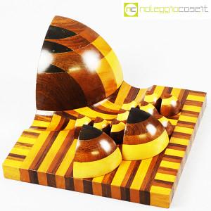 Scultura geometrica in legno (4)