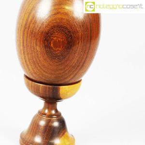 Uovo grande in legno con base (6)