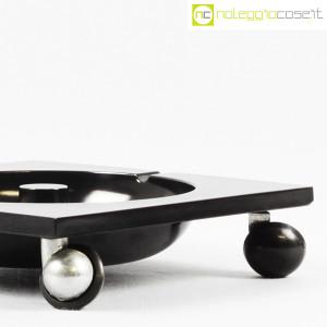 Renzo Mori Design, posacenere nero su ruote (6)