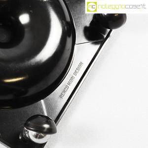 Renzo Mori Design, posacenere nero su ruote (9)