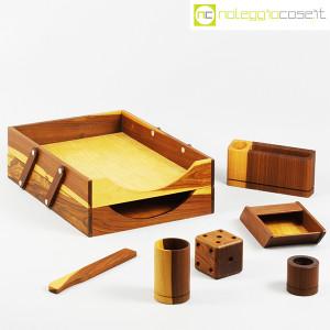 Complementi da scrivania in legno (1)
