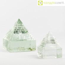 Piramidi in vetro pieno lavorato