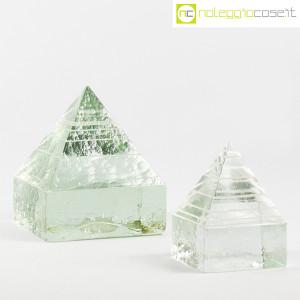Piramidi in vetro pieno lavorato (1)