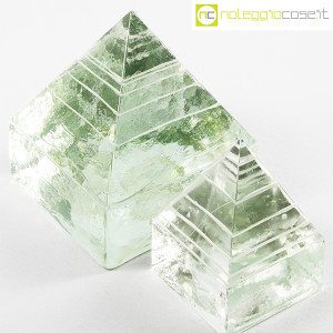 Piramidi in vetro pieno lavorato (4)