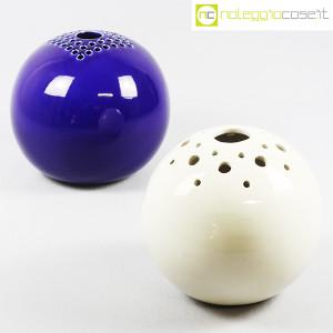 Ibis Cunardo, sfera bianca in ceramica con fori (9)