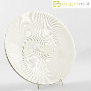 SIC Ceramiche Artistiche, piatto bianco con decoro a rilievo (2)