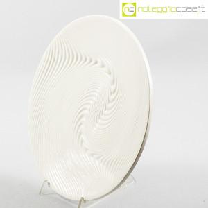 SIC Ceramiche Artistiche, piatto bianco con decoro a rilievo (3)