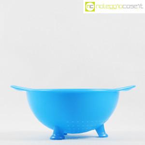 Alessi, scolapasta azzurro mod. EM03, Enzo Mari (2)